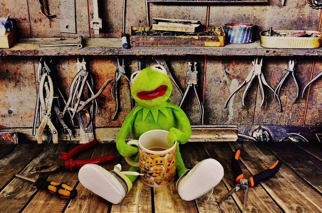 Kermit wil nu eerst een kop koffie