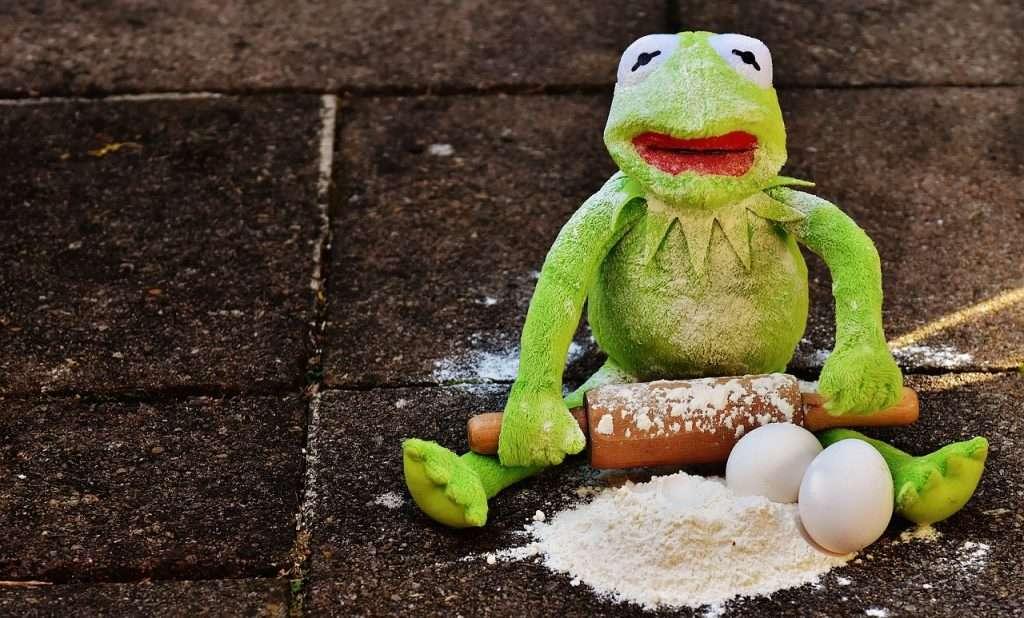 Kermit wil pannenkoeken bakken