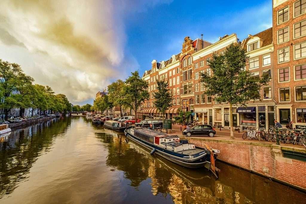 Amsterdam grootste steden van Nederland